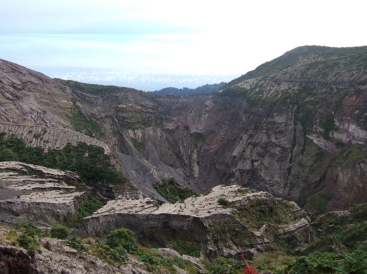 Irazu crater (with the 1963-65 eruptive deposits seen in the foreground cut by erosion - those are the deposits we sampled in that location, second picture)